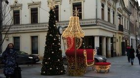 Kerstboom in Straat, Woensdag, 13 December, 2017 Stock Afbeeldingen