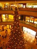 Kerstboom in Takashimaya Stock Foto