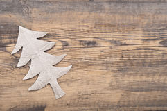 Kerstboom van grijs karton wordt gemaakt dat Stock Foto