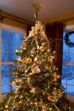 Kerstboom in Woonkamer Royalty-vrije Stock Fotografie