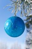 Kerstboomdecoratie op een pijnboom Royalty-vrije Stock Foto