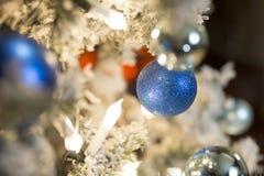 Kerstboomstuk speelgoed De achtergrond van Kerstmis Royalty-vrije Stock Foto