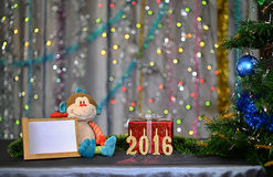 Kerstkaart 2016 Jaar van de aap Stuk speelgoed aap royalty-vrije stock afbeeldingen