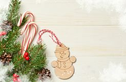 Kerstkaart met de decoratie van de Kerstmisboom royalty-vrije stock foto's