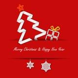 Kerstkaart met een document boom op een rode achtergrond Royalty-vrije Stock Afbeelding