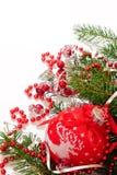 Kerstkaart met een rode bal Royalty-vrije Stock Afbeelding