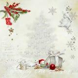 Kerstkaart met een verfraaide groene tak en speelgoed en met een lege plaats voor tekst royalty-vrije stock afbeeldingen