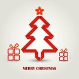 Kerstkaart met gevouwen document rode Kerstboom Stock Fotografie