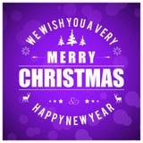 Kerstkaart met purpere achtergrond Stock Afbeelding