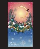 Kerstkaart met sneeuwvlokken in de hemel, de pijnboomtakken en Chr Stock Foto