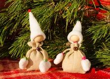 Kerstkaartmalplaatje met met de hand gemaakt speelgoed Stock Foto's