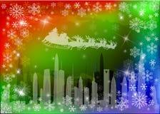 Kerstman die boven de stad vliegen Royalty-vrije Stock Afbeeldingen