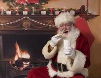 Kerstman het dragen stelt voor Stock Foto