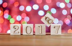 Kerstman Klaus, hemel, vorst, zak Kinderen` s blokken Creatief idee het nieuwe jaar 2018 Royalty-vrije Stock Afbeeldingen