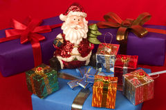 Kerstman met de giften van Kerstmis Stock Afbeeldingen