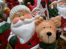 Kerstman met zijn rendier Stock Foto's