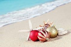 Kerstmis bij het strand Royalty-vrije Stock Afbeeldingen
