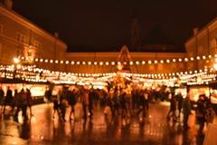 Kerstmis bokeh lichten op Kerstmismarkt stock afbeeldingen