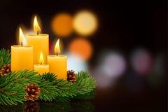 Kerstmis brandende kaarsen vector illustratie