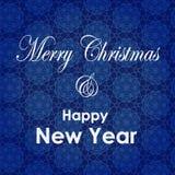 Kerstmis en de nieuwe kaart van de jaargroet Vrolijk Kerstmis en Nieuwjaar het van letters voorzien ontwerp De achtergrond van de Stock Foto