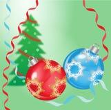 Kerstmis en Gelukkige Nieuwe jaarballen op feestelijke achtergrond Stock Foto's