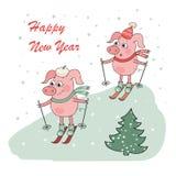 Kerstmis en Gelukkige Nieuwe jaarkaart met twee kleine beeldverhaal kleine varkens skie Royalty-vrije Stock Afbeelding