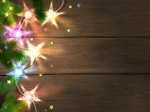 Kerstmis en het Nieuwjaar ontwerpen malplaatje met houten achtergrond, kleurrijke star-shaped lichten, spartakken en confettien Stock Afbeeldingen