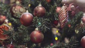 Kerstmis en nieuwe jaardecoratie Kerstboomlichten het fonkelen stock video