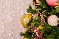Kerstmis en nieuwe jaardecoratie Snuisterij op Kerstboom Royalty-vrije Stock Fotografie