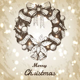 Kerstmis en Nieuwe jaarhand getrokken vectorillustratie Decoratieve kroonschets, uitstekende stijl Bruin grungedocument Royalty-vrije Stock Fotografie