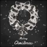 Kerstmis en Nieuwe jaarhand getrokken vectorillustratie Decoratieve kroonschets, uitstekende stijl Grungebord Royalty-vrije Stock Foto's