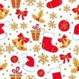 Kerstmis en Nieuwjaar naadloos patroon met krabbelklokken, ballen, Kerstmiskousen stock illustratie