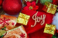 Kerstmis en Nieuwjaarachtergrond met decoratie Royalty-vrije Stock Foto's
