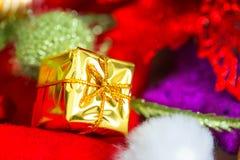 Kerstmis en Nieuwjaarachtergrond met decoratie Stock Fotografie