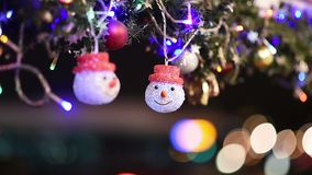 Kerstmis en Nieuwjaardecoratie in Parijs, Frankrijk stock footage