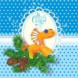 Kerstmis en Nieuwjaarskaart met zacht paardstuk speelgoed Stock Foto's