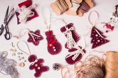 Kerstmis felted decor stock afbeeldingen