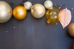 Kerstmis gouden decoratie Royalty-vrije Stock Afbeeldingen