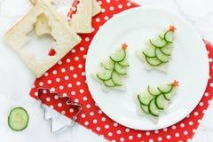 Kerstmis grappige sandwiches met komkommer Royalty-vrije Stock Foto