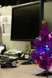 Kerstmis in het bureau Stock Foto