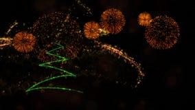 Kerstmis & het Nieuwe jaarthema als achtergrond bevatten pijnboomboom, vuurwerk en deeltjes stock fotografie