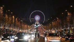 Kerstmis in het Wiel van Parijs - van Champs Elysees stock footage
