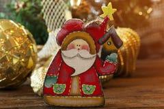 Kerstmis houten speelgoed voor de Kerstboom Stuk speelgoed van Santa Claus royalty-vrije stock afbeeldingen