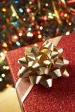 Kerstmis Huidig onder Boom Royalty-vrije Stock Fotografie