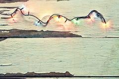 Kerstmis, lichten, slinger, wit, houten achtergrond, viert, decoratie, hoogste mening, exemplaarruimte stock fotografie
