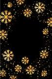Kerstmis of Nieuwjaarachtergrond met gouden sneeuwvlokken Abstracte Illustratie Gemakkelijk modern malplaatje Stock Fotografie