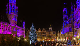 Kerstmis op Grand Place in Brussel Stock Foto's