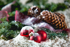 Kerstmis op sneeuw Stock Foto's