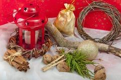 Kerstmis rode kaars met sterren Royalty-vrije Stock Afbeeldingen