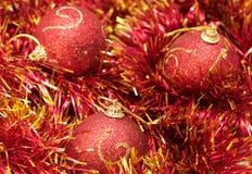 Kerstmis rode snuisterijen Stock Foto